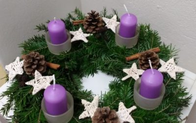 Pro olomoucké klientské rodiny si Maltézská pomoc připravila vánoční tvoření