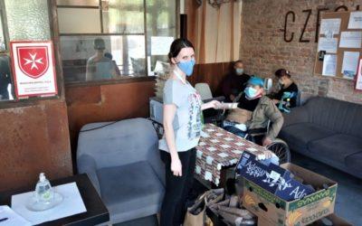 Ubytování osob bez domova v hotelu Czech Inn po dvou týdnech od spuštění pomoci