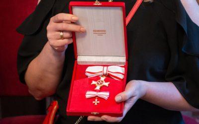 Zaměstnankyně Maltézské pomoci Dita Rudolfová obdržela řádové vyznamenání